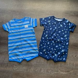 Carters set of one piece short-sleeve outfits